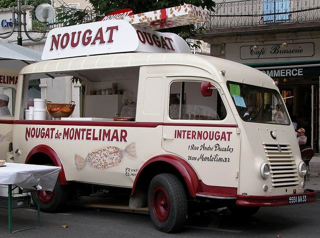 Fourgon Renault R2066 (1954)